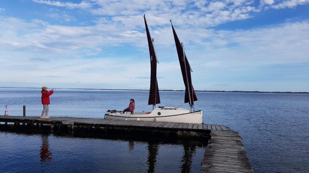 Skellig Lougre voilier avec deux voiles au tiers